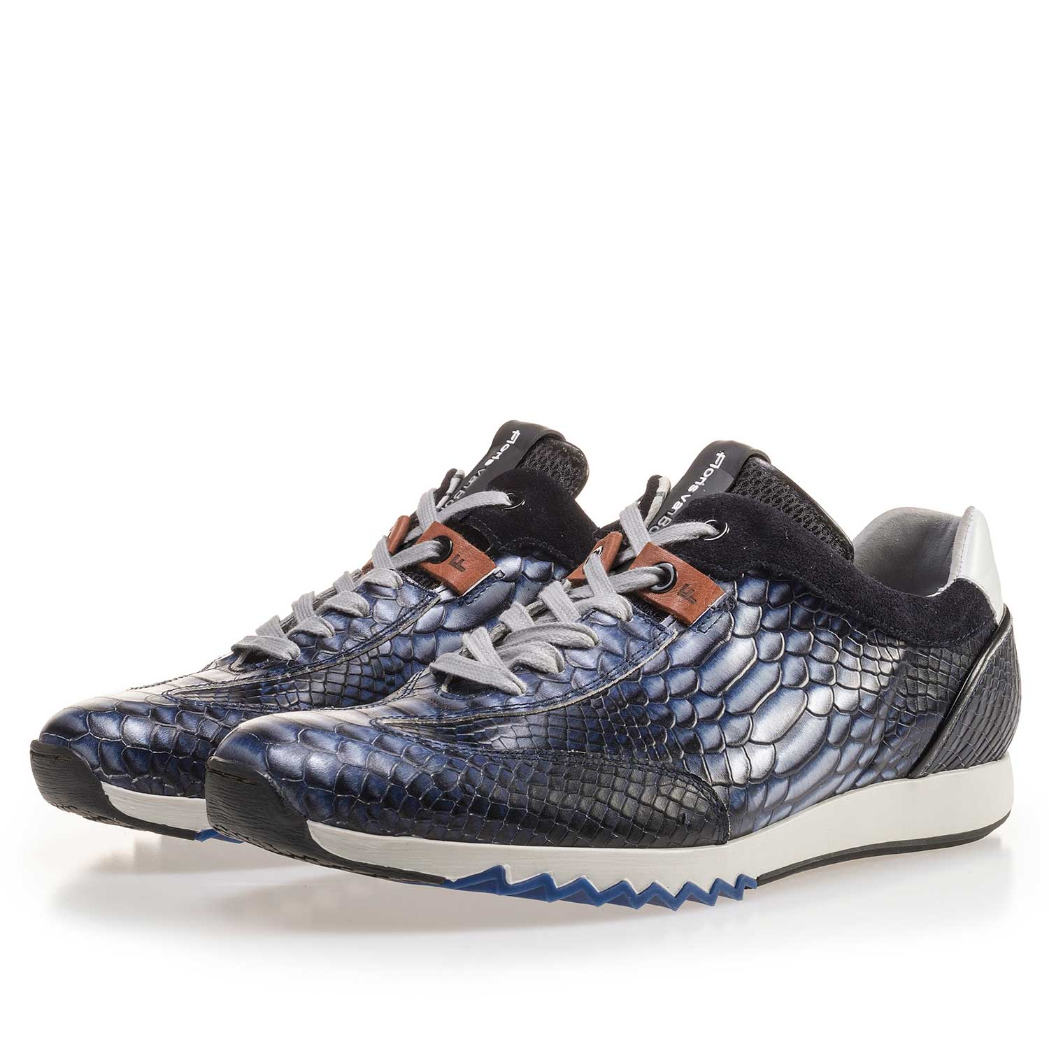 16219/01 - Dark blue calf's leather sneaker with a snake print