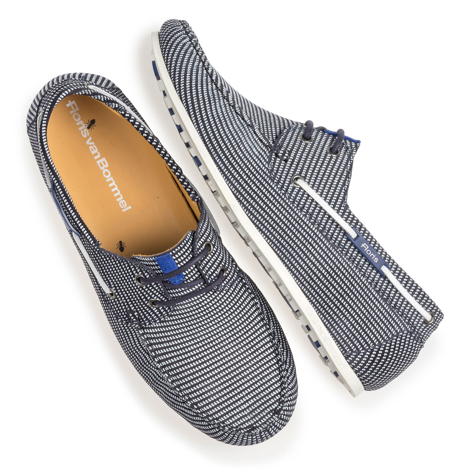 15035/10 - Blue suede leather boat shoe with print