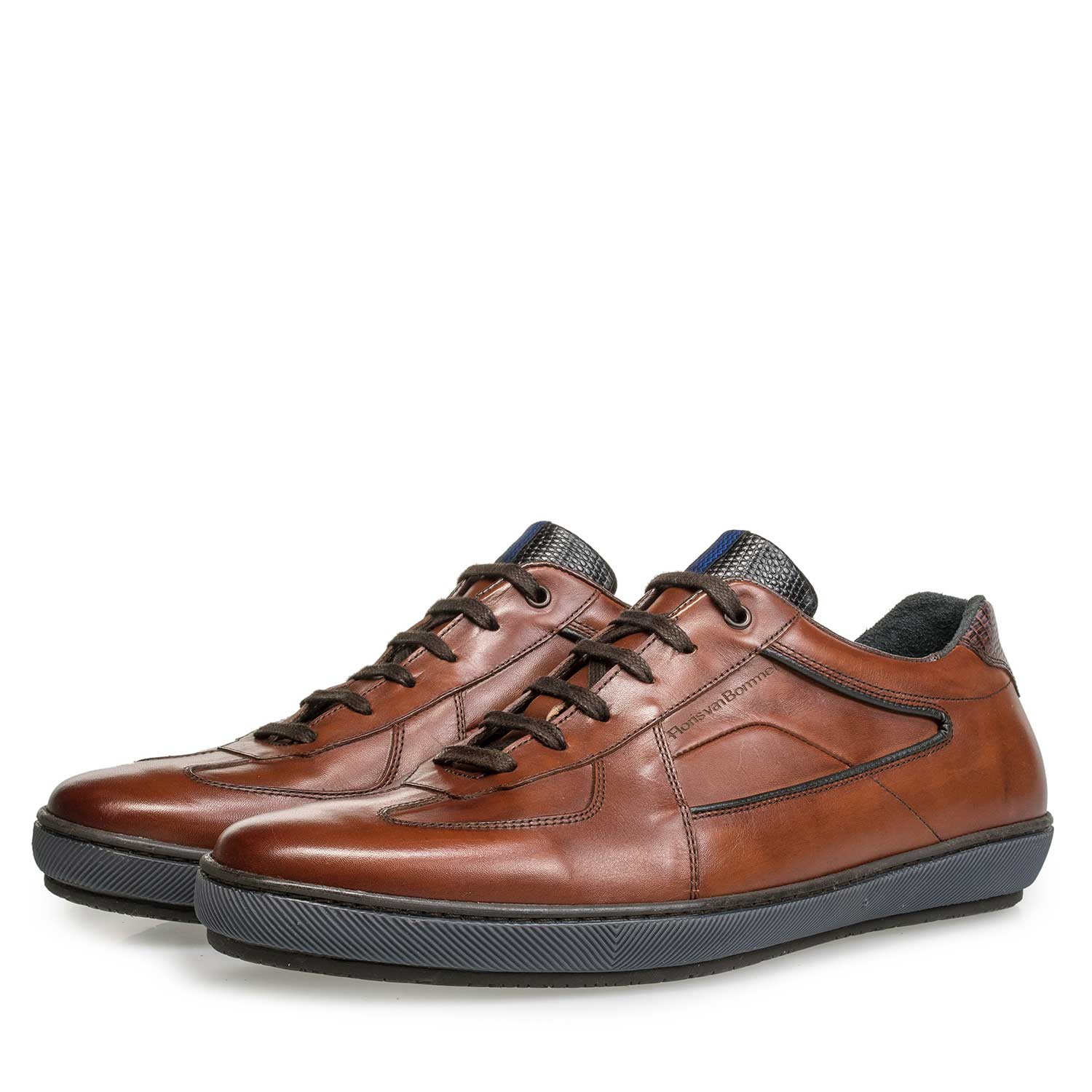 16189/03 - Cognac-coloured lace shoe with sportive trim lines