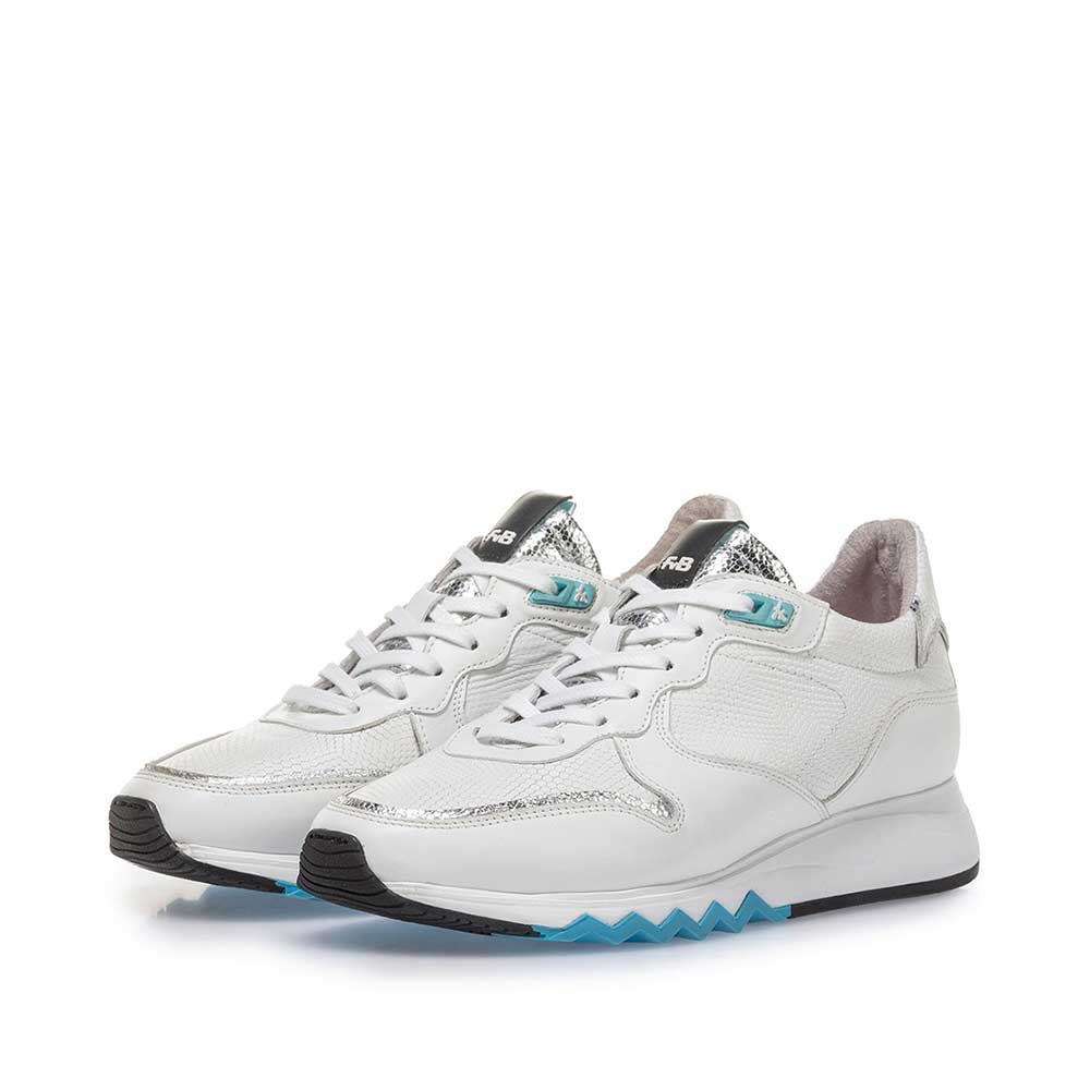 85302/04 - White calf leather sneaker with blue details