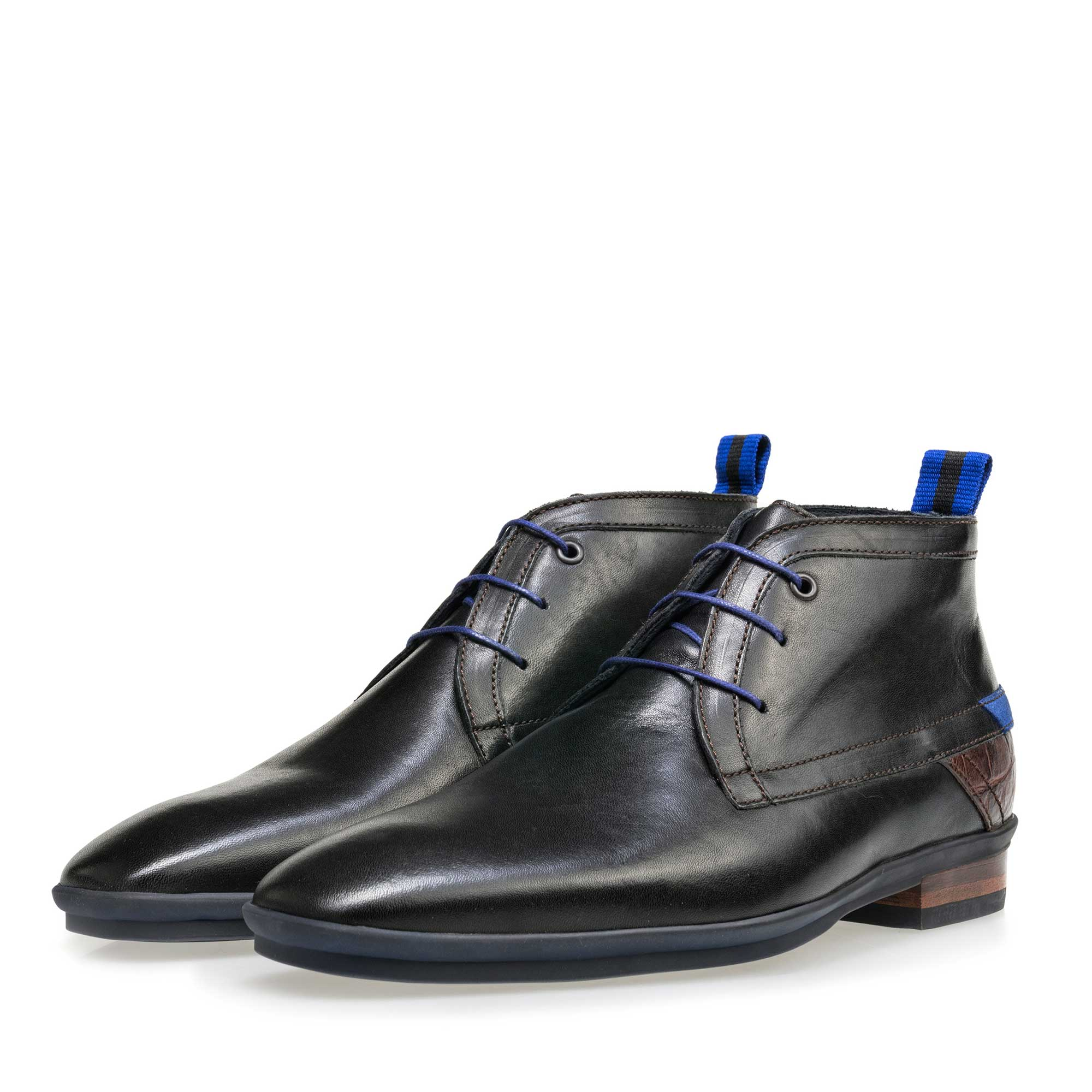 10334/30 - Floris van Bommel black leather men's lace-up boot