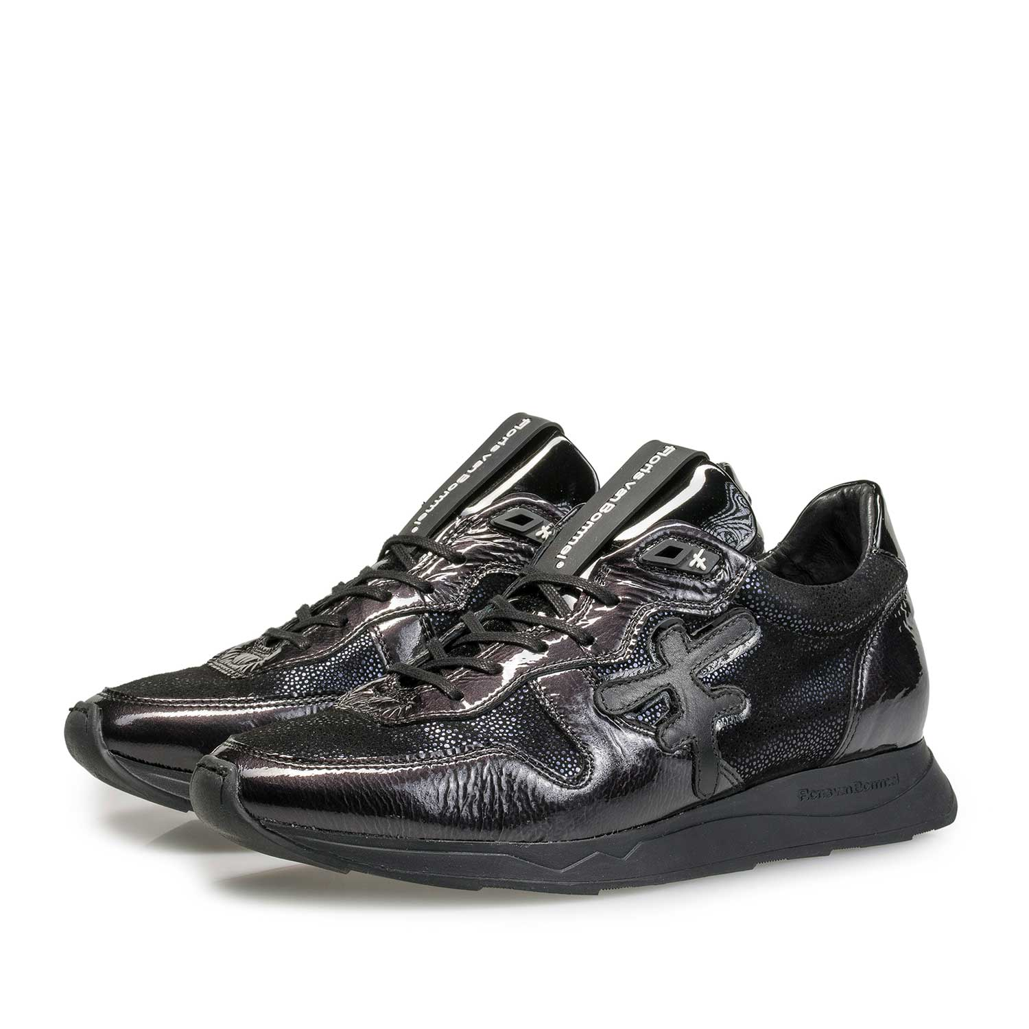 85255/01 - Black patent leather sneaker with F-logo