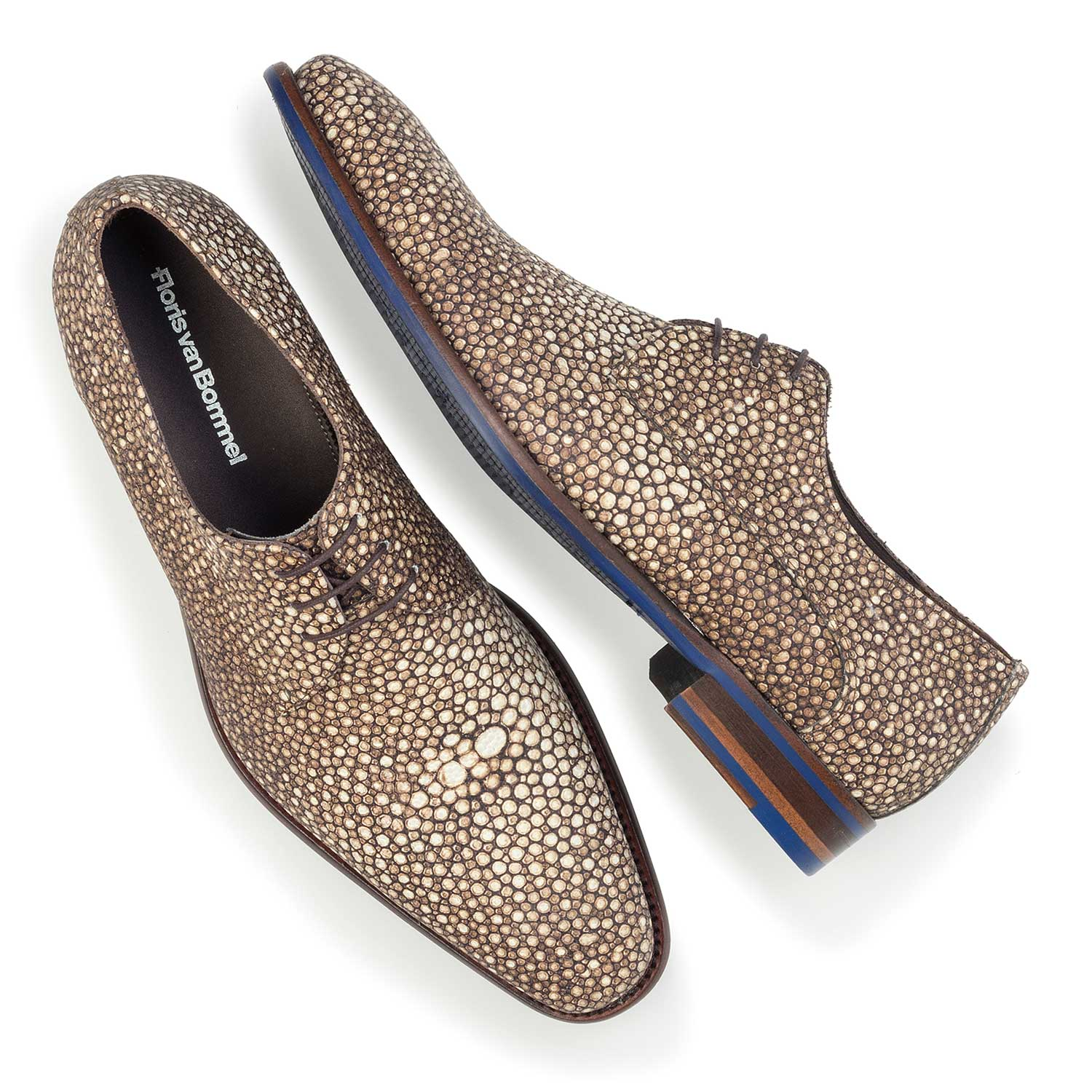 14194/02 - Brown, leather lace shoe with pattern