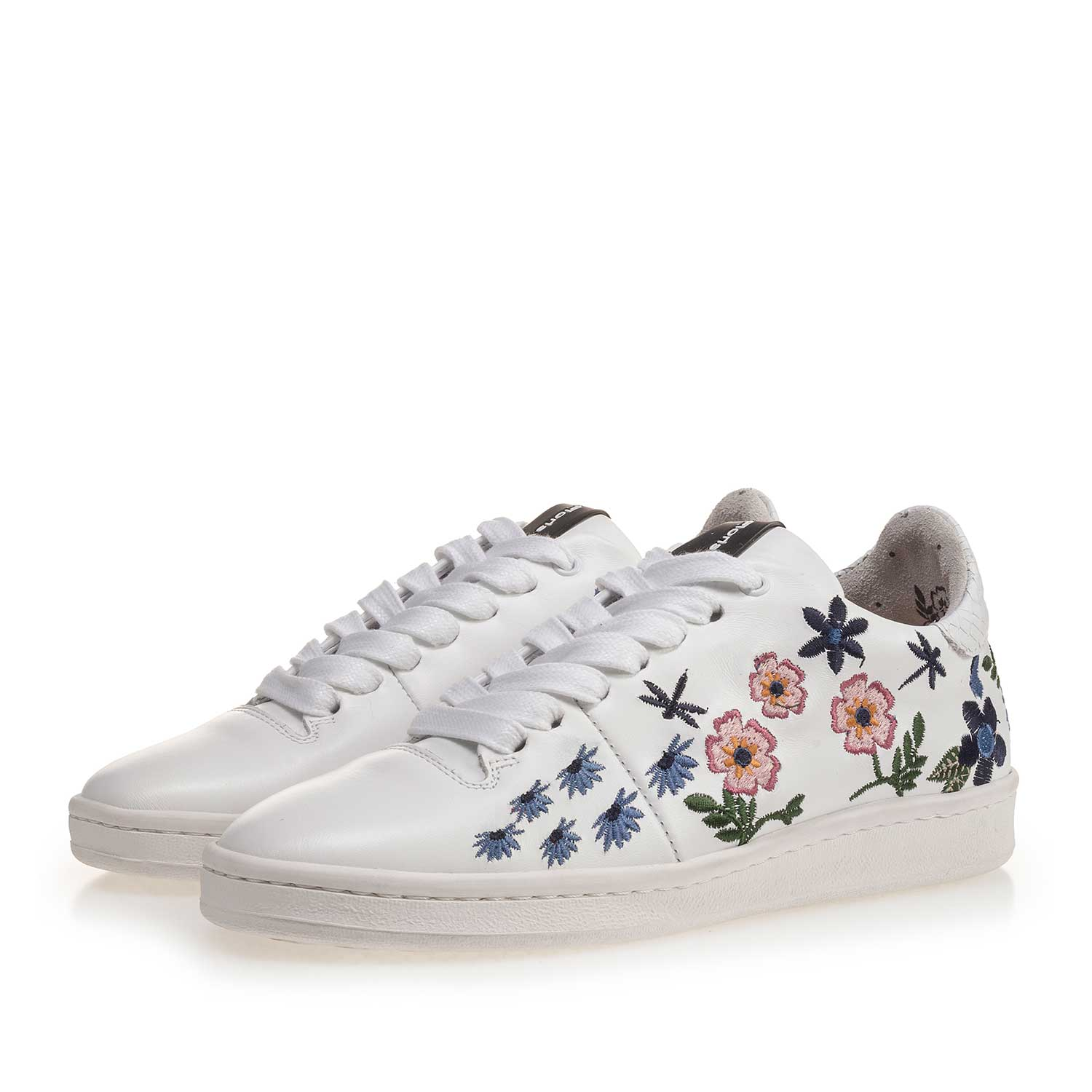 85235/04 - White leather sneaker with floral embroidery stitching