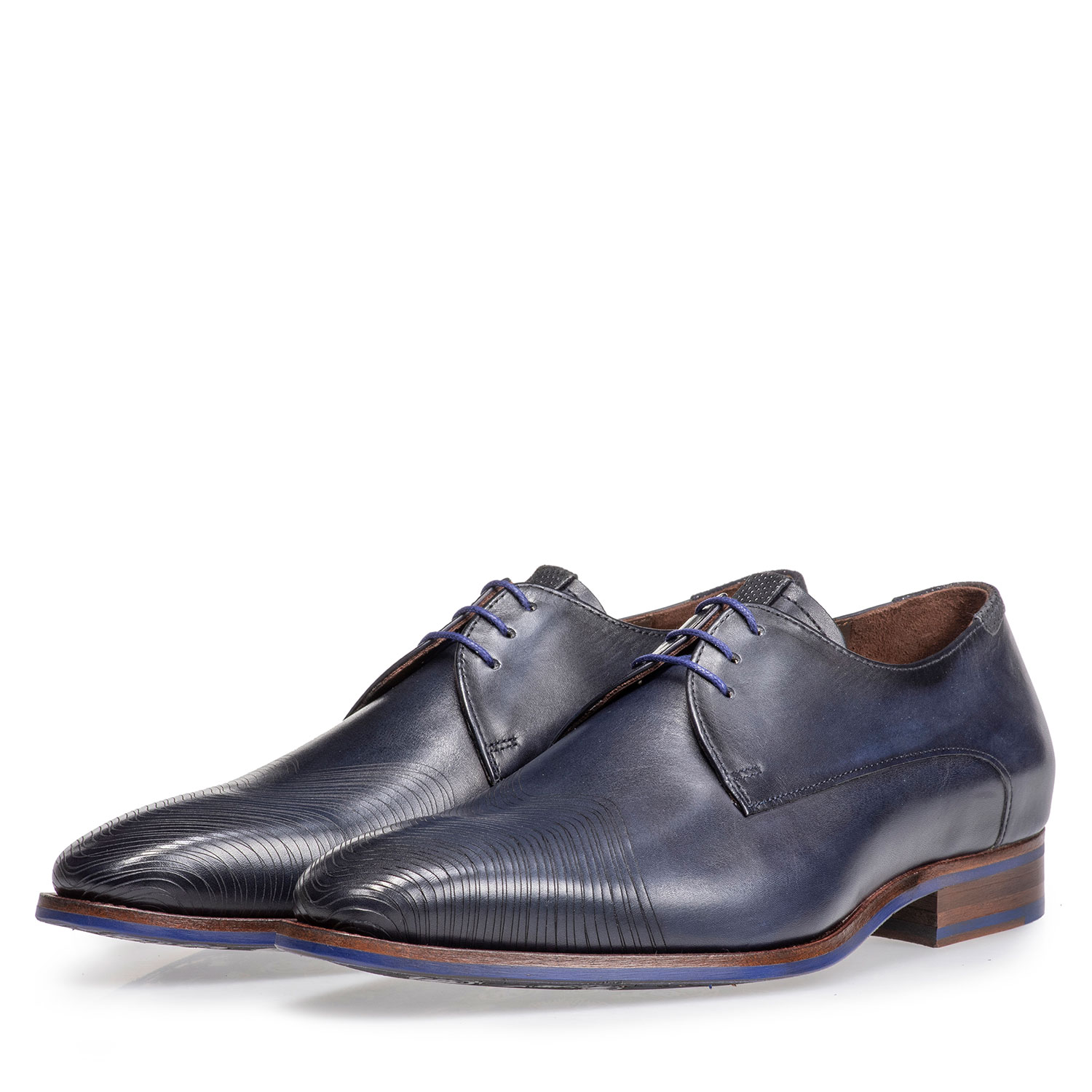 18288/01 - Dark blue leather lace shoe