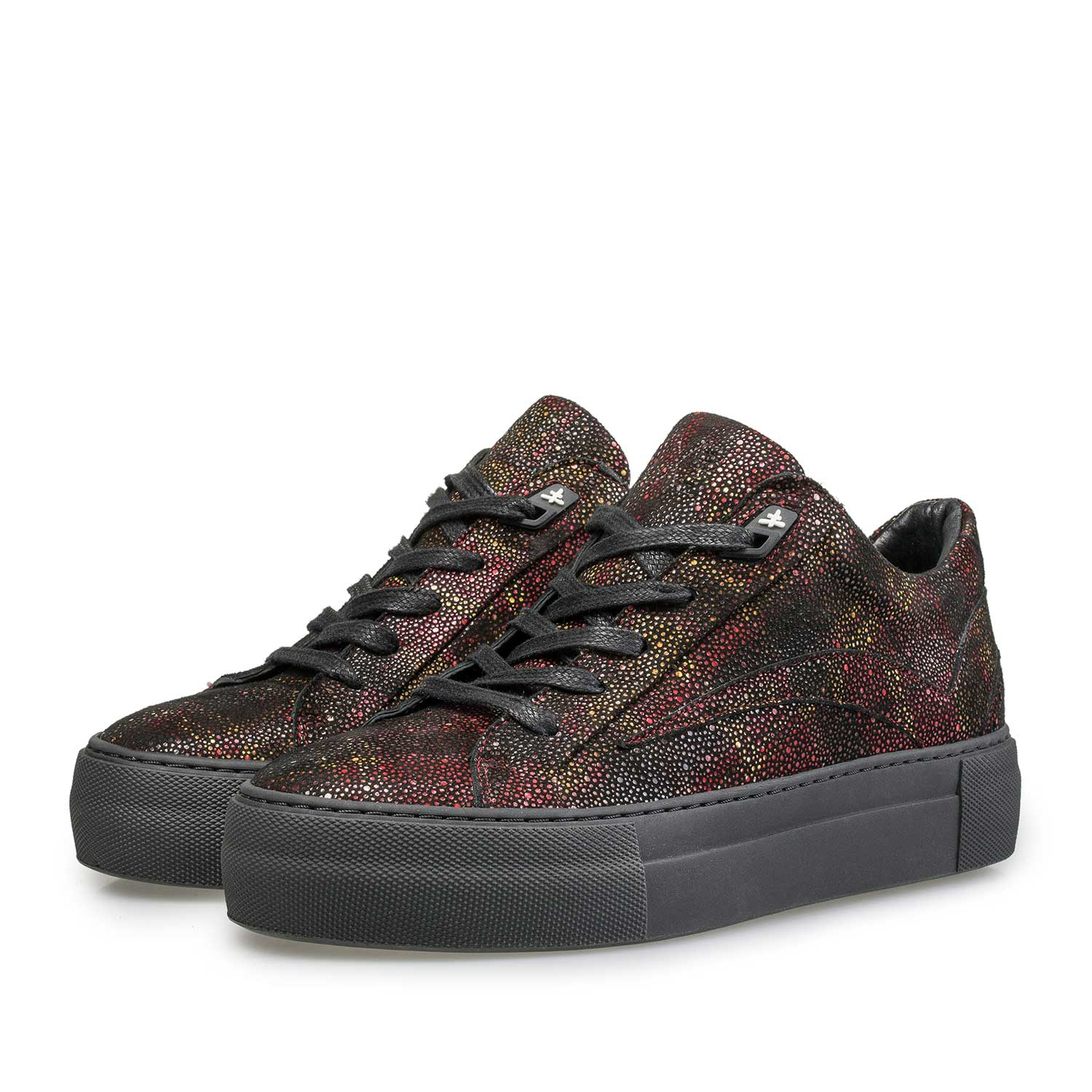 85252/06 - Leather sneaker with red check pattern