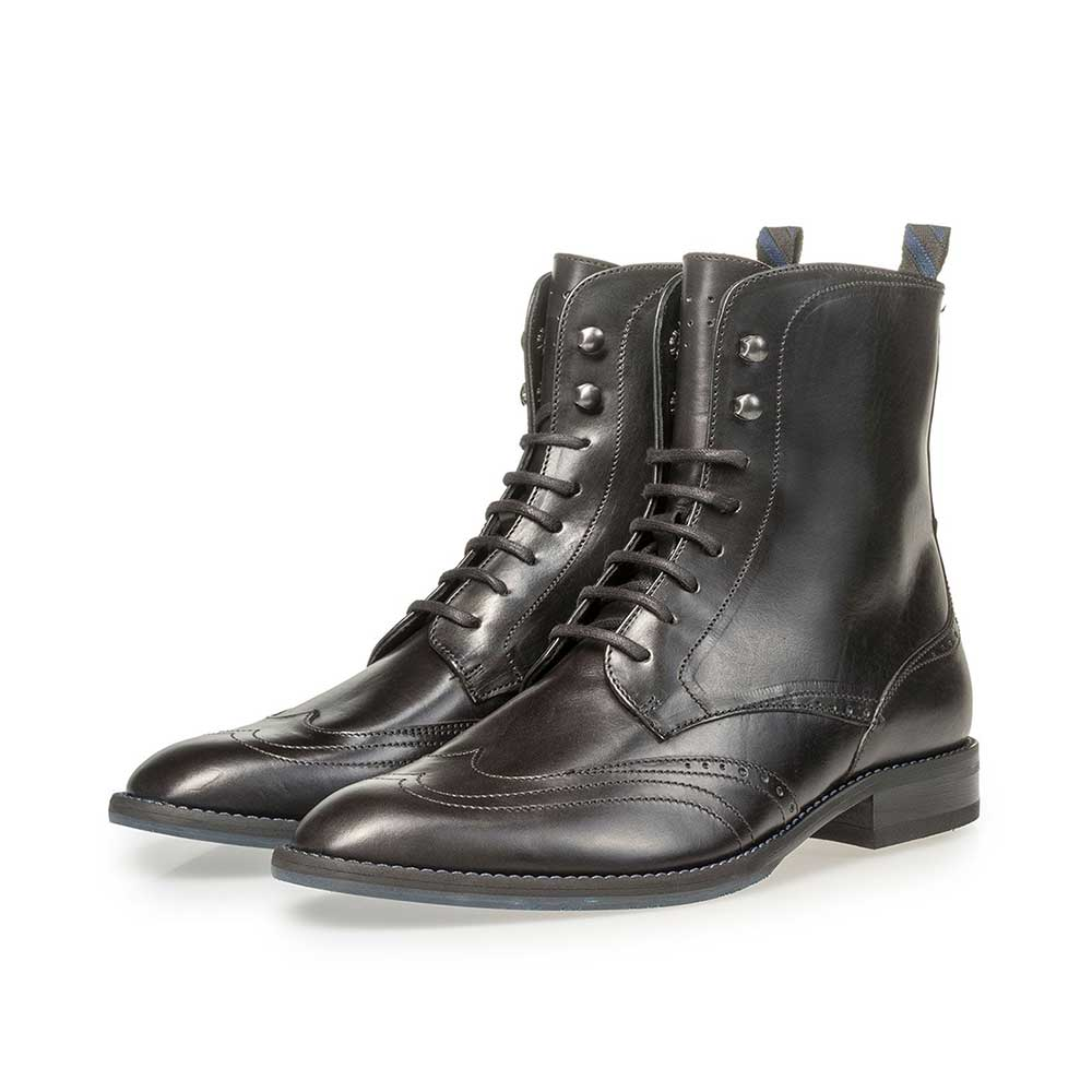 85631/00 - Black calf leather lace boot