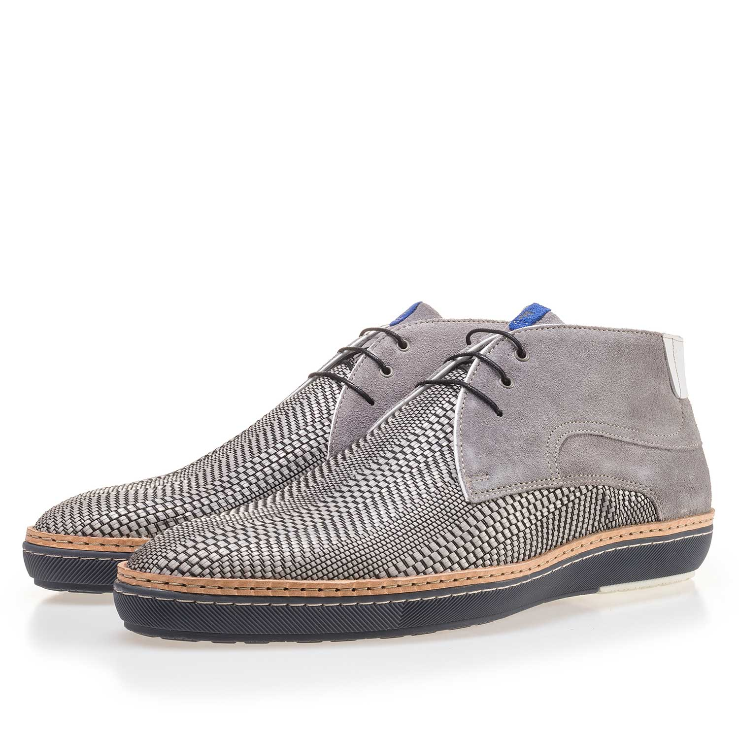 10017/00 - Grey braided leather lace boot